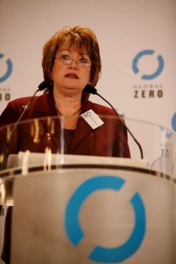 Date: 02/03/2010 Description: Under Secretary Tauscher delivers remarks on Global Zero Summit in Paris, France. - State Dept Image