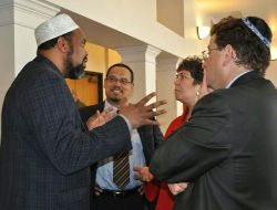 Date: 05/18/2011 Description: Special Envoy Rosenthal with Imam Magid, Congressman Ellison, at a Town Hall on anti-Semitism in Minneapolis attended by interfaith leaders and Jewish community leaders on May 18, 2011 - State Dept Image