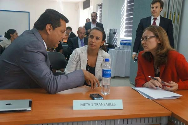 Date: 11/11/2014 Description: Photo of USG and GOES Goal Leads Scorecard Meeting in San Salvador, El Salvador (May 2014) . Graphic from September 8, 2014 Mid-Term Evaluation Report - Partnership for Growth El Salvador. - State Dept Image