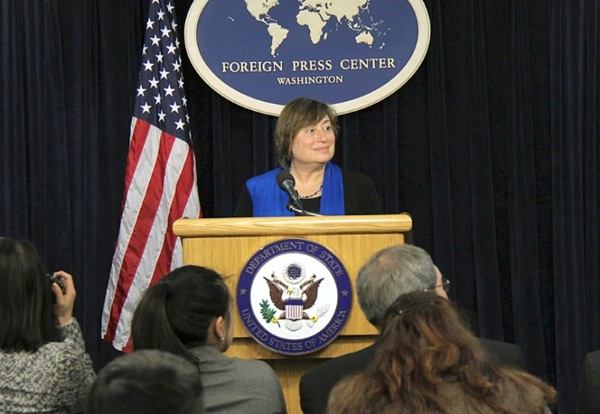 Under Secretary Novelli briefs the Washington Foreign Press Center on the President's Trade Agenda.