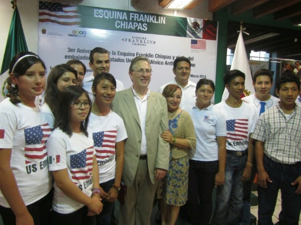 QDDR Theme: Open, Democratic Societies. United States Ambassador to Mexico, Tony Wayne celebrates third anniversary of opening of American corners dedicated to Ben Franklin, to connect with local communities in Chiapas, Mexico.