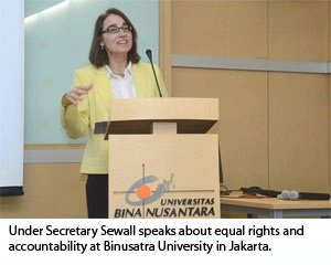 Date: 12/09/2015 Location: Jakarta, Indonesia Description: Under Secretary Sewall speaks about equal rights and accountability at Binusatra University in Jakarta. - State Dept Image