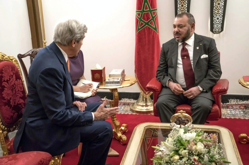 Secretary of State John Kerry meets with Moroccan King Mohammed VI before their bilateral meeting in Marrakech, Morocco, on November 16, 2016